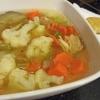 Як оригінально приготувати суп з кольоровою капустою і куркою: 4 рецепта з фото
