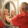 Як приклеїти дзеркало до дзеркала, стіни, меблів, склу?