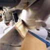 Як різати стельові плінтуса в кутах зі стуслом і без нього?