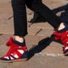 Модні кросівки на високій підошві