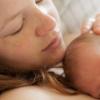 Налагодження грудного вигодовування. На який день приходить молоко після пологів