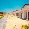 Готель Dessole Sea Lion Beach Resort Spa 4 * (фото)
