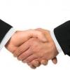 Звідки відбулася традиція подавати руку при зустрічі?